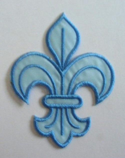 1 Applikation Königslilie Fleur de Lis 6x8cm Farbe: Hellblau