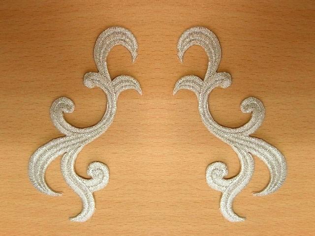 1 Paar historische Applikationen höhere Qualität Farbe: Lurex-Silber