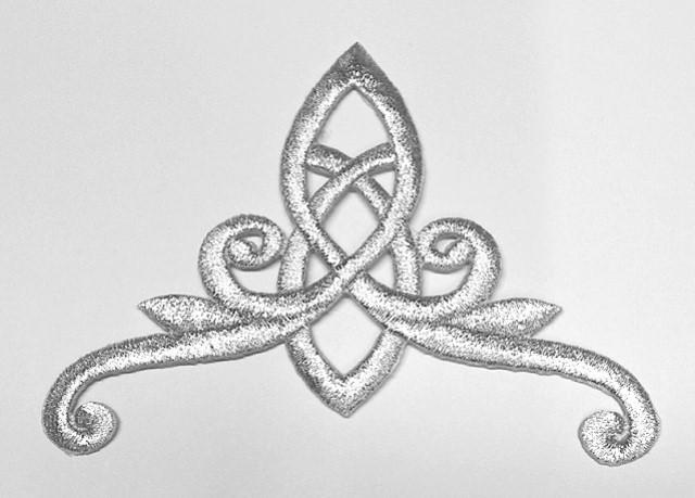 1 Stück Applikation Tribal 11 x 8cm Farbe: Lurex-Silber A8107