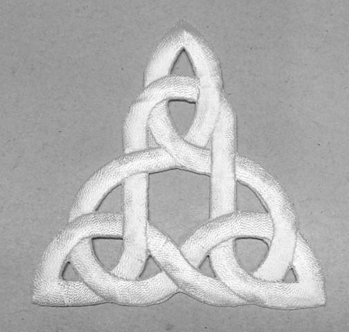 1 Stück Applikation Celtic Triade 7,5 x 8cm Farbe: Weiss