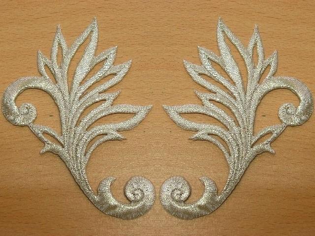 1 Paar historische Applikationen höhere Qualität A24 Farbe: Silber
