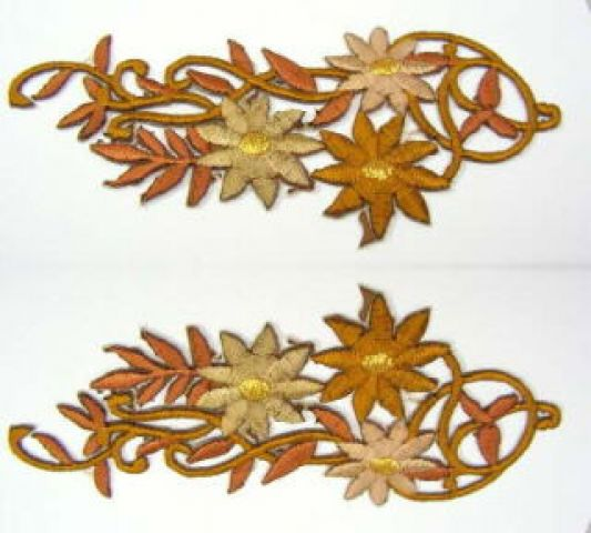 1 Paar Blumenapplikationen AF75-15 Farbe: hellbraun
