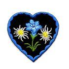 Applikation Landhaus Herz Enzian Edelweiss 4,3 x 4,3cm Farbe: Blau-Schwarz